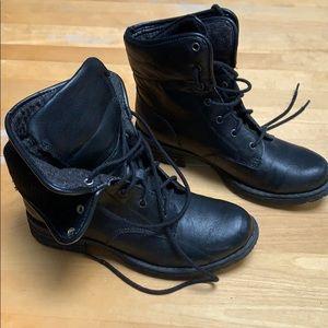 B.O.C. black boots like new
